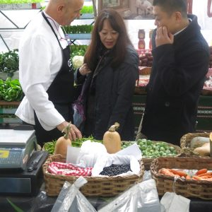 Mercado-Ordizia-turistas